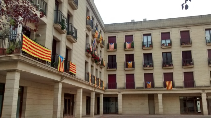 Balconies with independence flags on the morning of the referendum.